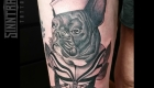 Marc Guthe Neotraditional Tattoo Bulldogge Steuerrad
