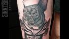 Marc Guthe Neotraditional Tattoo Bulldogge Steuerrad